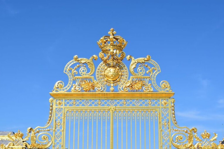 Pink in Paris at the Palace of Versailles 7