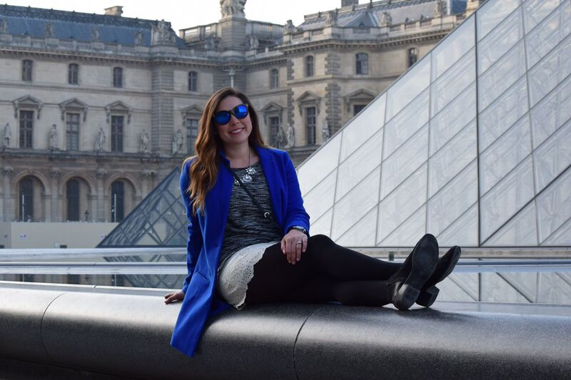 feeling blue at the louvre 7